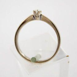 Złoty pierścionek z diamentem P1505