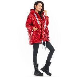 Czerwona lakierowana kurtka pikowana z kapturem, kolor czerwony