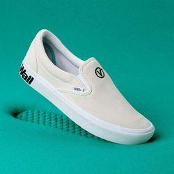 Buty - comfycush slip-on (distort) blanc/black (vx7) rozmiar: 36.5 marki Vans